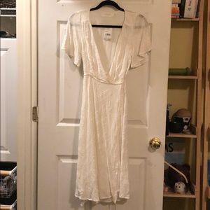 *STILL HAS THE TAGS* ASTR White Maxi Wrap Dress